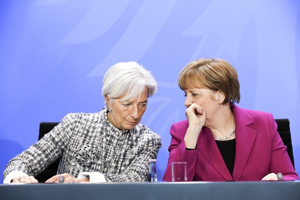Pressekonferenz von Bundeskanzlerin Merkel (re.) und den Vorsitzenden der internationalen Wirtschafts- und Finanzorganisationen