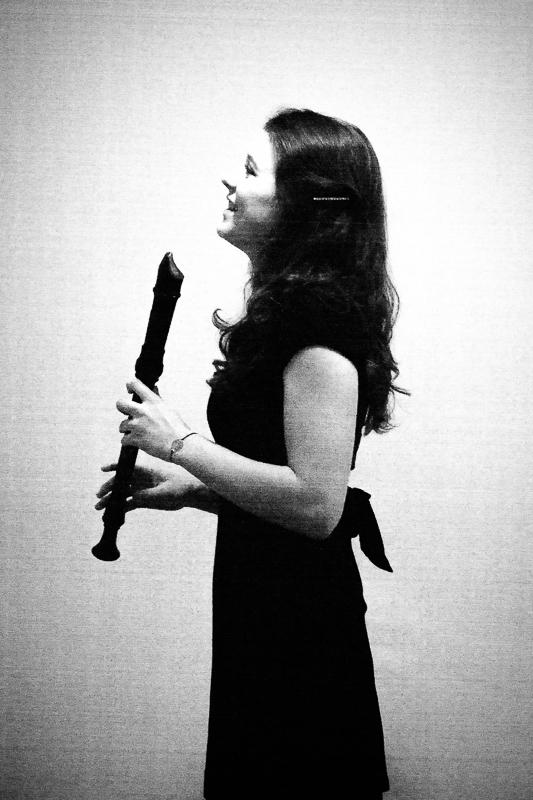 Sarah Kay mit Flöte?
