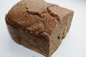 Roggenmischbrot aus der Brotmaschine